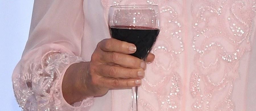 W ciągu niespełna 20 lat konsumpcja wina we Francji spadła o ponad 20 proc. Wynika to z danych Międzynarodowej Organizacji Wina (OIV).