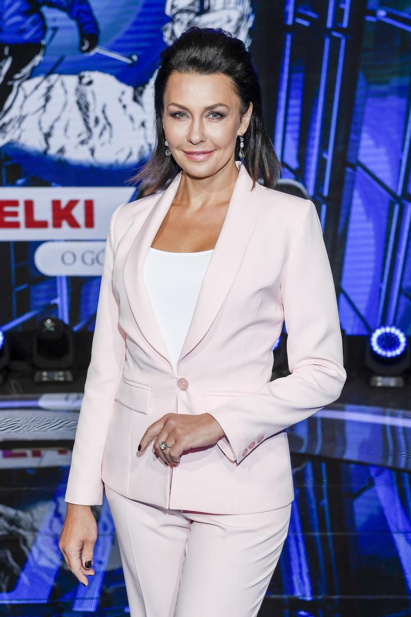 """TVP zaprzeczyła doniesieniom, jakoby Anna Popek miała być nową prezenterką głównego wydania """"Wiadomości"""". """"Pani Anna Popek nie uczestniczyła w castingach do programów informacyjnych w Telewizyjnej Agencji Informacyjnej"""" - czytamy w specjalnym komunikacie."""