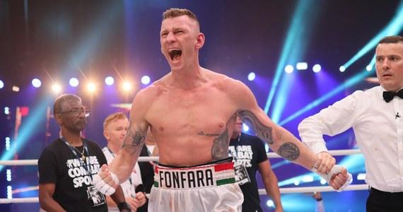 Prawie 20 lat w boksie, w tym niemal 13 na zawodowym ringu. 36 stoczonych walk, 30 z nich wygranych, w tym 18 przez nokaut, i tylko 5 porażek - oraz jedna walka wygrana przez nokaut, ale uznana za nieodbytą ze względu na wykrycie w organizmie zawodnika niedozwolonych środków. Tak - w liczbach - można podsumować karierę Andrzeja Fonfary, który w nocy ogłosił niespodziewanie, że zawiesza rękawice na kołku.