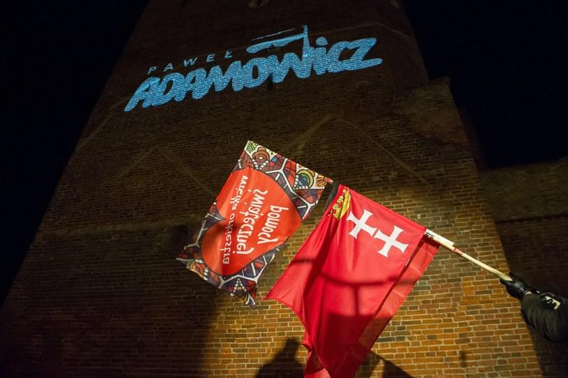"""Wersja """"The Sound of Silence"""" w wykonaniu Disturbed towarzyszyła Światełku dla Prezydenta. Miesiąc po śmierci Pawła Adamowicza zakończyła się żałoba w Gdańsku."""