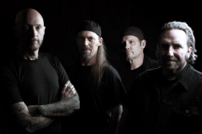 Weterani thrashu z amerykańskiej formacji Sacred Reich rejestrują wreszcie powrotny album.