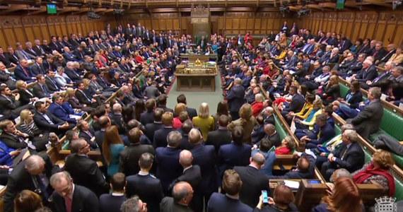Brytyjski parlament poparł opóźnienie brexitu