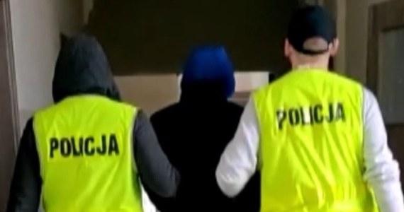 Niecodzienna wpadka przydarzyła się w Kluczborku na Opolszczyźnie 33-latkowi szukającemu narkotyków. Chciał kupić marihuanę od mężczyzn, których spotkał na jednym z osiedli. Nie wiedział, że rozmawia z policjantami…