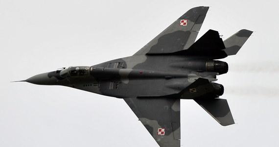 Awaryjne lądowanie myśliwca MiG-29 na terenie Bazy Lotnictwa Taktycznego w Malborku. Pilot trafił do szpitala.