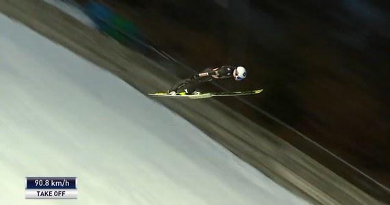 Kamil Stoch zajął drugie miejsce w konkursie Pucharu Świata w skokach narciarskich w niemieckim Willingen. Zwyciężył Niemiec Karl Geiger, a trzecie miejsce zajął lider klasyfikacji generalnej Japończyk Ryoyu Kobayashi. Zobaczcie skoki najlepszej trójki konkursu!