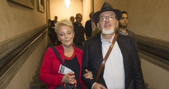 Rodzice byłego premiera Włoch Matteo Renziego, Tiziano Renzi i Laura Bovoli, zostali umieszczeni w poniedziałek w areszcie domowym - taką decyzję podjął sędzia we Florencji. Obojgu zarzuca się umyślne doprowadzenie do bankructwa i wystawianie fałszywych faktur.