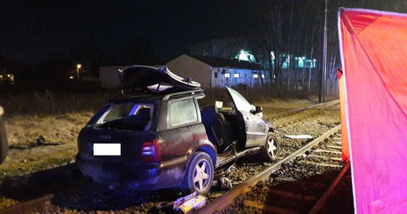 Do policyjnego aresztu trafił 52-latek, który w nocy po pijanemu spowodował wypadek drogowy w Łodzi. W zdarzeniu zginął 66-letni mężczyzna.