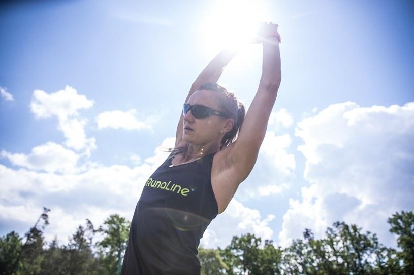"""Dwukrotny triumfator """"Tańca z Gwiazdami"""" Jan Kliment został partnerem niewidomej biegaczki Joanny Mazur. Lekkoatletyczna mistrzyni świata i pochodzący z Czech mistrz tańca uwielbiają sport. Czy zdobędą Kryształową Kulę?"""