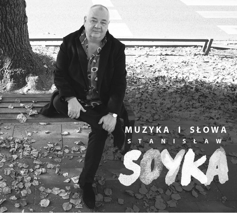 Po 15 latach przerwy Stanisław Soyka znów śpiewa słowa, które wyszły spod jego pióra - wydał w pełni autorski album. W tym momencie życia jednym z najważniejszych dla niego słów jest nieśpieszność. Muzyk nie musi - i nie chce - nigdzie pędzić.