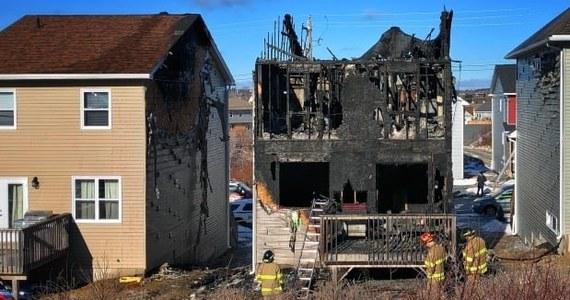 Siedmioro dzieci zginęło we wtorek w pożarze domu na przedmieściach Halifaxu, stolicy kanadyjskiej prowincji Nowa Szkocja - poinformowała policja. Według okolicznych mieszkańców w domu tym mieszkała rodzina syryjskich uchodźców.