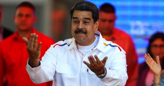 """Minister obrony Wenezueli Vladimir Padrino powiedział we wtorek, że opozycja będzie musiała przejść przez """"nasze trupy"""", by obalić prezydenta Nicolasa Maduro i utworzyć nowy rząd w Caracas."""