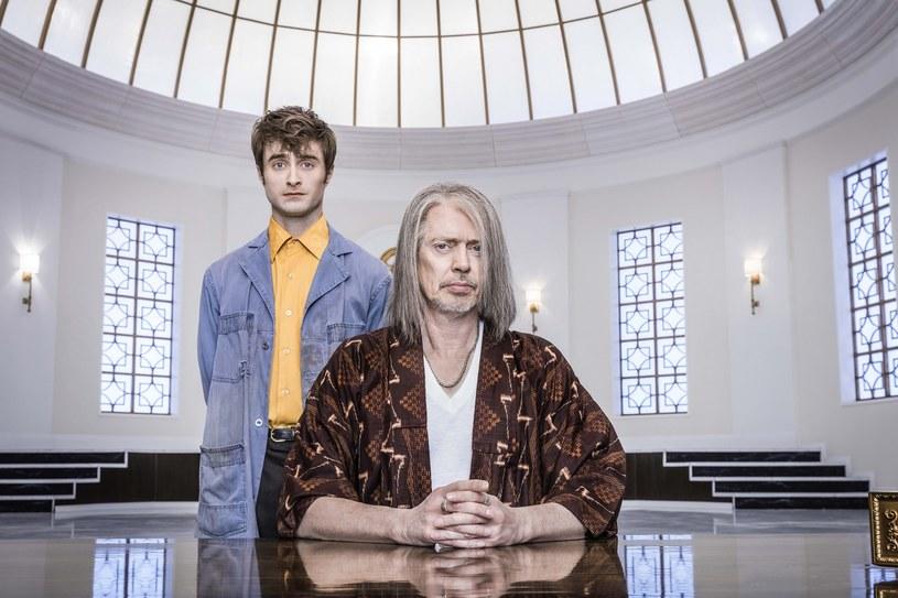 """""""Cudotwórcy"""" to nowy miniserial komediowy o perypetiach aniołów, które próbują przekonać Boga, aby nie niszczył Ziemi i nie skazywał ludzkości na zagładę. W obsadzie występują m.in. Steve Buscemi oraz Daniel Radcliffe. Produkcja dostępna jest już od dziś, 20 lutego, w HBO GO."""