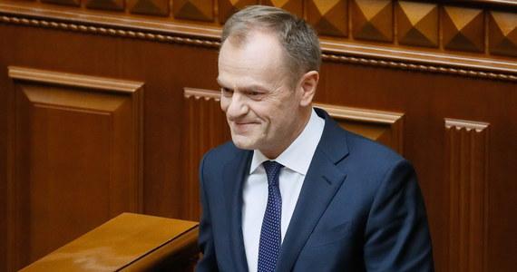 """Będę wspierał wszystkich, dla których minimum demokratyczne i europejskie coś znaczy - powiedział szef RE Donald Tusk w środę w """"Faktach po faktach"""" w TVN24, pytany o to, czy będzie wspierał w wyborach do PE Koalicję Europejską. Tusk był także pytany o sprawę taśm Kaczyńskiego. Szef Rady Europejskiej powiedział, że nie spodziewał się, że prezes PiS jest """"aż tak owładnięty obsesją pieniędzy""""."""