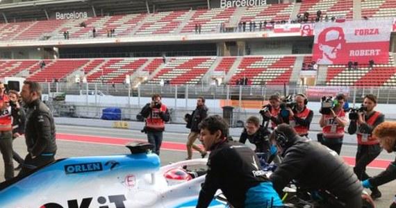 Robert Kubica po godzinie 13 w czwartek zakończył sesję testów na torze Catalunya pod Barceloną. Polak przejechał 48 okrążeń. Na najlepszym z nich uzyskał wynik 1.21,542, o blisko cztery sekundy gorszy od najszybszego Tajlandczyka Taja Alexandra Albona z Toro Rosso.