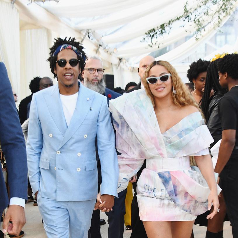 Mimo że Beyonce i Jay-Z nie zjawili się na gali Brit Awards, nie mieli problemu z tym, aby wzbudzić zainteresowanie brytyjskich mediów. Wszystko za sprawą podobizny Meghan Markle.