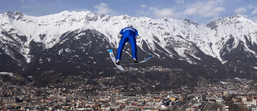 Na dużej skoczni w austriackim Innsbrucku trwają ostatnie przygotowania do narciarskich mistrzostw świata. W czwartkowym drugim treningu najlepszy okazał się lider Pucharu Świata Ryoyu Kobayashi. Z Polaków startował tylko Stefan Hula, który zajął 30 i 22 miejsce. Tym samym nie przekonał do siebie trenera i nie wystartuje w piątkowych kwalifikacjach.