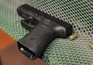 Zgubił broń na stacji benzynowej. Znaleziono ją we Wrocławiu