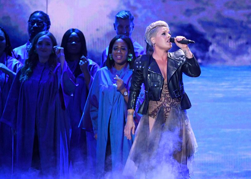 """Amerykańska wokalistka Pink zaprezentowała nowy singel """"Walk Me Home"""". To zapowiedź jej nowej płyty """"Hurt 2B Human"""", która ukaże się już w kwietniu."""