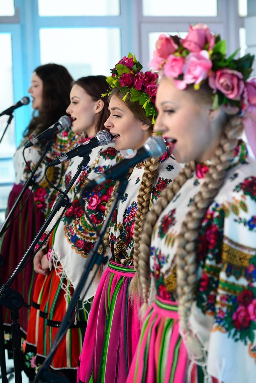 Grupa Tulia na InstaStories postanowiła zdecydowanie zareagować na hejt, który pojawił się po decyzji TVP ogłaszającej zespół polskim reprezentantem na tegoroczny Konkursu Piosenki Eurowizji.