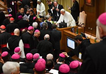 Francja: Episkopat gotów wypłacać odszkodowania ofiarom molestowania seksualnego