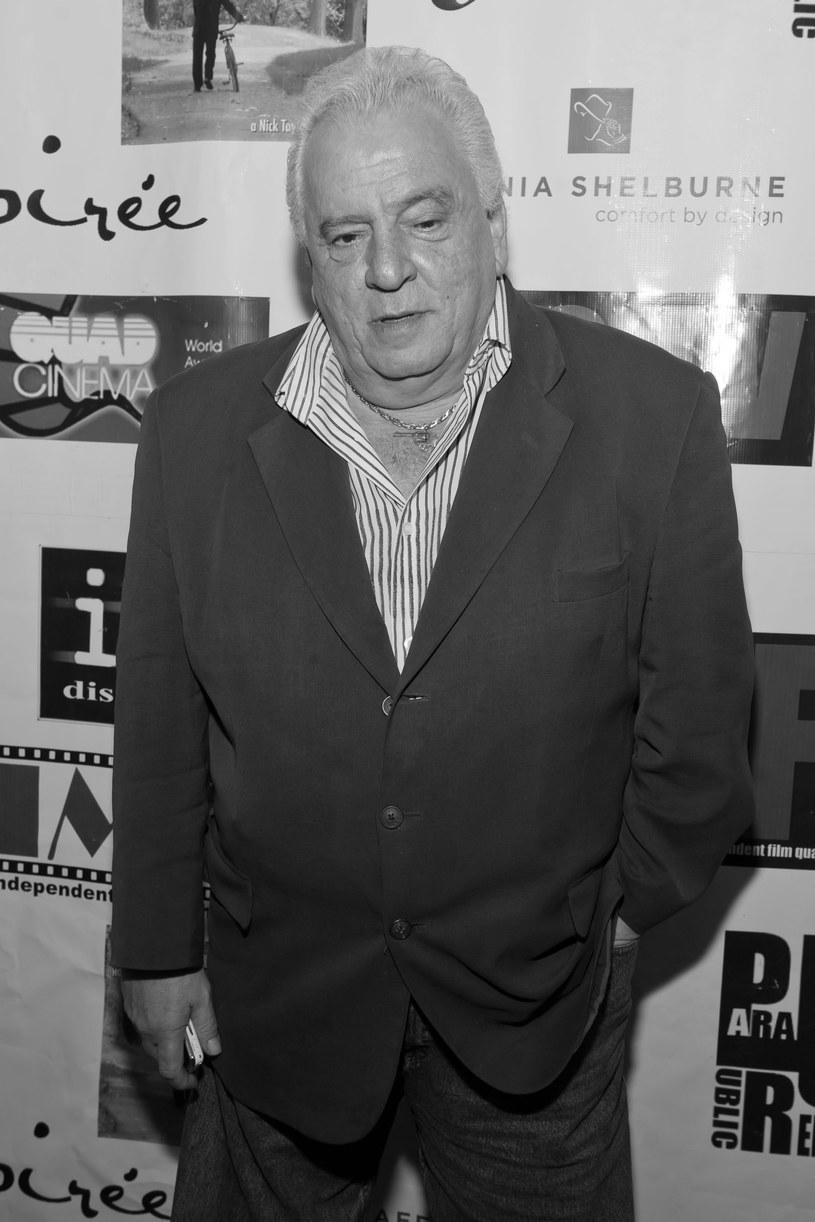 """Zmarł Vinny Vella, aktor znany z """"Kasyna"""" i """"Rodziny Soprano"""". Informację o jego śmierci przekazali członkowie rodziny na jednym z serwisów społecznościowych. Przyczyną jego śmierci był rak wątroby."""