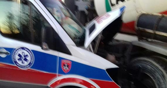 Dwaj ratownicy zostali ranni w wypadku z udziałem karetki pogotowia w Poznaniu. Do zdarzenia doszło na ulicy Bukowskiej.