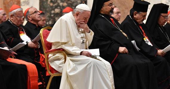 Papież Franciszek zapewnił, że każdy przypadek pedofilii zostanie potraktowany z najwyższą powagą. Zamykając szczyt w Watykanie apelował o kompleksową walkę z tą plagą i mówił, że jej powszechność nie umniejsza jej potworności w Kościele.