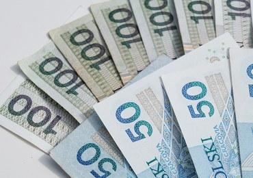 Zarobki w NBP, cena prądu i podwyżka emerytur