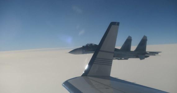 Szwedzkie MSZ wezwało ambasadora Rosji Wiktora Tatarincewa po incydencie, do którego doszło we wtorek nad Bałtykiem. Rosyjski myśliwiec Su-27 zbliżył się do szwedzkiego samolotu wojskowego na niebezpieczną odległość, mniejszą niż 20 metrów.