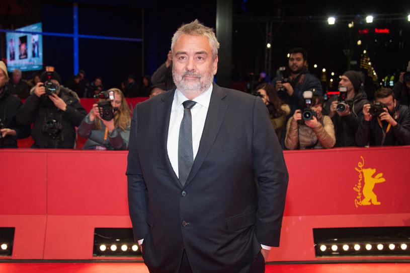 Francuski reżyser Luc Besson został oskarżony przez aktorkę Sand Van Roy w maju 2018 roku. Kobieta zarzuciła mu podanie jej środków odurzających i zgwałcenie jej w jednym z francuskich hoteli.