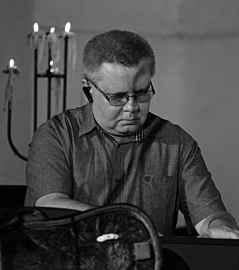 W wieku 61 lat zmarł ceniony pianista jazzowy, kompozytor i aranżer Janusz Skowron. W dorobku miał współpracę z gwiazdami polskiej sceny muzycznej.