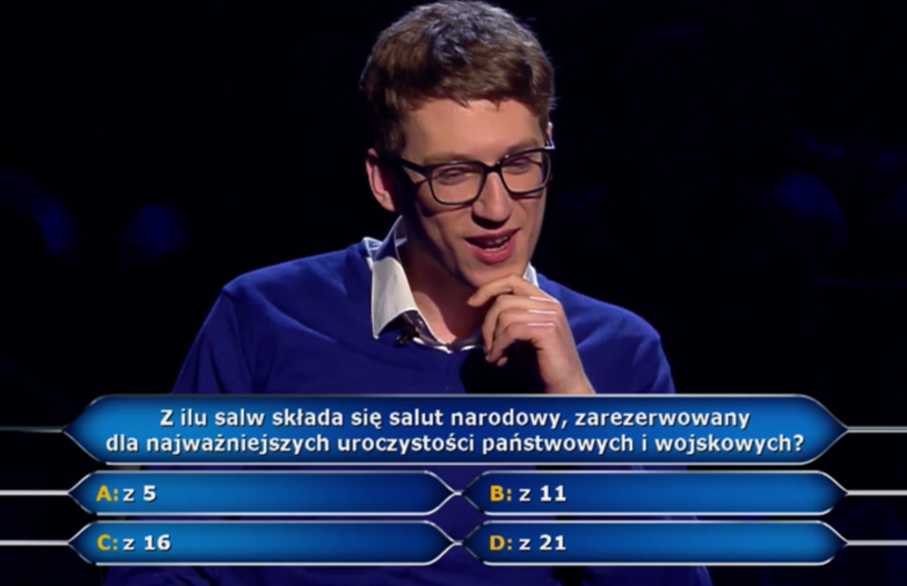 """Już pół miliona zł ma na koncie pan Maksymilian, który gra w nowej serii """"Milionerów"""" w TVN."""