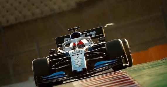 13 miejsce zajął Robert Kubica podczas ostatniego dnia oficjalnych testów Formuły 1 na torze pod Barceloną.  Polakowi nie tylko nie udało się poprawić czasu okrążenia z porannej sesji - 1.18,993, ale także  znacznie odstawał pod tym względem od swoich rywali. Bezkonkurencyjny pozostał Niemiec Sebiastian Vettel.