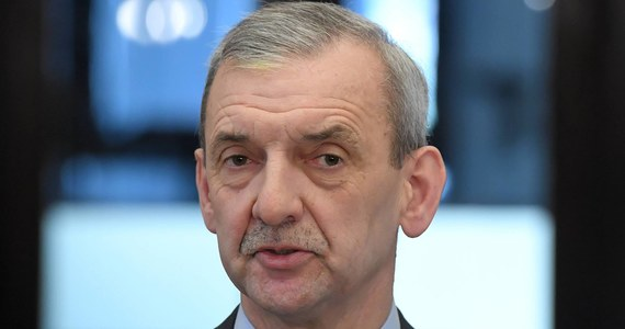 W poniedziałek prezydium zarządu głównego ZNP zdecyduje o treści pytania w referendum strajkowym oraz o terminie strajku w oświacie - poinformował prezes związku Sławomir Broniarz. Jak mówił, brane są pod uwagę różne terminy, ale najwięcej zwolenników ma opcja strajku w kwietniu.