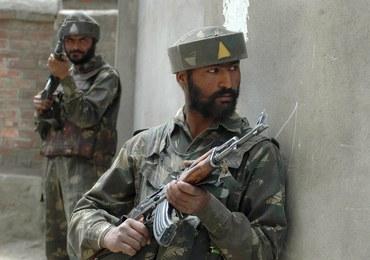 Nocna wymiana ognia w Kaszmirze. Zginęło czworo cywilów