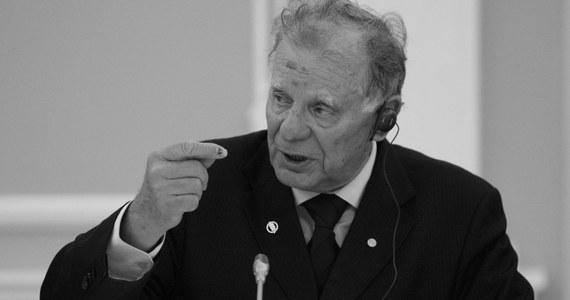Zmarł rosyjski fizyk Żores Ałfiorow, laureat nagrody Nobla - podała agencja RIA Nowosti. Ałfiorow otrzymał Nobla w 2000 roku za rozwinięcie technologii wykorzystujących heterostruktury półprzewodnikowe w technice wielkiej częstotliwości i optoelektronice.