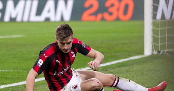 Krzysztof Piątek w sobotę nie strzelił gola dla AC Milan - w drugim meczu z rzędu - ale wespół z Matteo Musacchio zapewnił drużynie cenne zwycięstwo 1-0 (1-0) nad US Sassuolo. Polak odegrał kluczową rolę w meczu, po faulu na nim z boiska wyleciał bramkarz gości. Zespół z Mediolanu awansował na trzecie miejsce w tabeli Serie A, przed sobą ma tylko SSC Napoli i Juventus Turyn.
