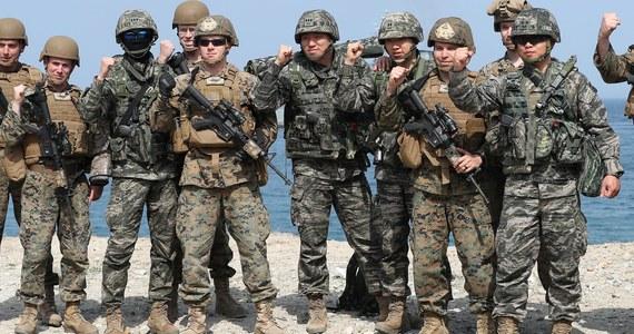 """USA i Korea Południowa podjęły decyzję o wstrzymaniu dorocznych wspólnych ćwiczeń wojskowych """"Foal Eagle"""" i """"Key Resolve"""", które regularnie wywoływały ostre protesty Korei Północnej - poinformował w sobotę wieczorem czasu lokalnego Pentagon."""