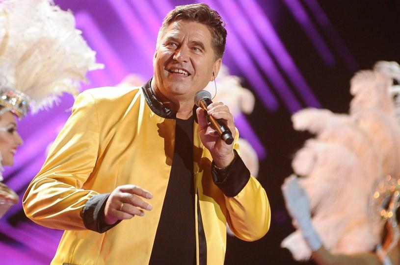 Lider Bayer Full, Sławomir Świerzyński wypowiedział się na temat ustawy o sądach. Internauci mocno skrytykowali wokalistę.