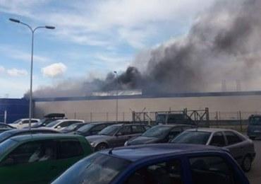 Złotoryja: Wybuch i pożar w fabryce. Opublikowano film z momentu eksplozji