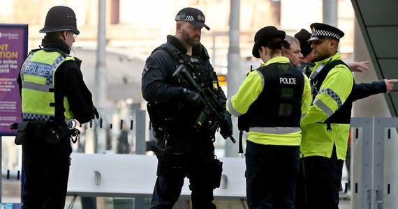 Trzy niewielkie ładunki wybuchowe wysłano we wtorek na dwa londyńskie lotniska - Heathrow i London City - oraz dworzec kolejowy Waterloo - poinformowała brytyjska policja. W wyniku incydentów nikt nie został ranny ani nie doszło do zakłóceń w funkcjonowaniu obiektów.