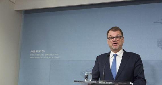 Rząd Finlandii podał się do dymisji po tym, jak  komisje parlamentarne odrzuciły  reformy świadczeń socjalnych i opieki zdrowotnej. Prezydent Sauli Niinisto poprosił gabinet o pełnienie obowiązków do czasu powołania nowego rządu.