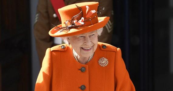 Prawie 93-letnia królowa Elżbieta II opublikowała swój pierwszy post na Instagramie. Monarchini zrelacjonowała w nim swoją wizytę w muzeum nauki i list, który przykuł jej uwagę.