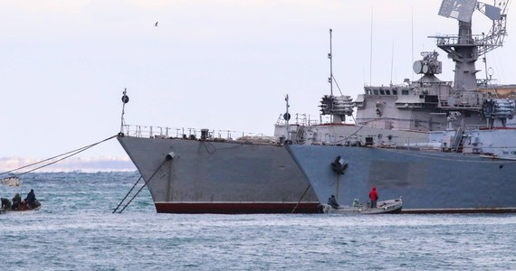 Rosja przeprowadziła manewry na Morzu Czarnym wspólnie z okrętami tureckimi - tak brzmi komunikat dowództwa rosyjskiej marynarki wojennej. Turcja jest członkiem NATO, a o manewrach Rosjanie poinformowali dopiero po ich zakończeniu.
