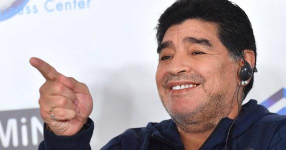 Argentyńska legenda piłki nożnej, 58-letni Diego Maradona może być ojcem trójki nieślubnych dzieci na Kubie. Ojcostwo mają potwierdzić testy DNA. W tym celu słynny zawodnik ma polecieć na wyspę - poinformował media jego prawnik Matias Morla.