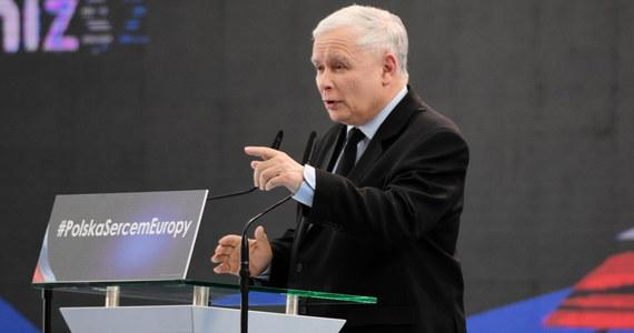Wybory do parlamentów - polskiego i europejskiego - to wybory, których stawką jest przyszłość Polaków i Polski; jeżeli wygrają nasi przeciwnicy, to nie będzie tak, jak było, tylko będzie gorzej niż było - mówił prezes PiS Jarosław Kaczyński na konwencji regionalnej PiS w Jasionce pod Rzeszowem. Wierzymy w Polaków i wierzymy w Polskę - dodał.
