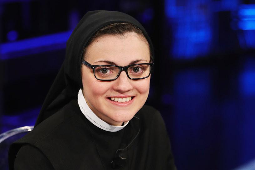 """Śpiewająca zakonnica, siostra Cristina, triumfatorka telewizyjnego programu """"The Voice of Italy"""" w 2014 roku, weźmie udział we włoskiej edycji """"Tańca z gwiazdami"""". """"Nie sądzę, bym umiała tańczyć z mężczyzną"""" - przyznała."""