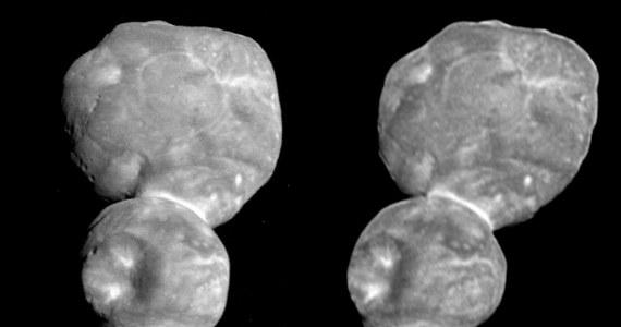 NASA opublikowała zdjęcia planetoidy Ultima Thule ułożone w taki sposób, że przy odrobinie umiejętności i wysiłku można ten kosmiczny obiekt zobaczyć w 3D. I to bez żadnych dodatkowych instrumentów. Wystarczy się przyjrzeć. Najdalszy do tej pory odwiedzony przez sondę z Ziemi obiekt, został sfotografowany w styczniu tego roku kamerą LORRI (Long-Range Reconnaissance Imager) sondy New Horizons w odstępie 25 minut. Ułożenie obok siebie zdjęć wykonanych pod nieco innym kątem pozwala zauważyć efekt trójwymiarowości.
