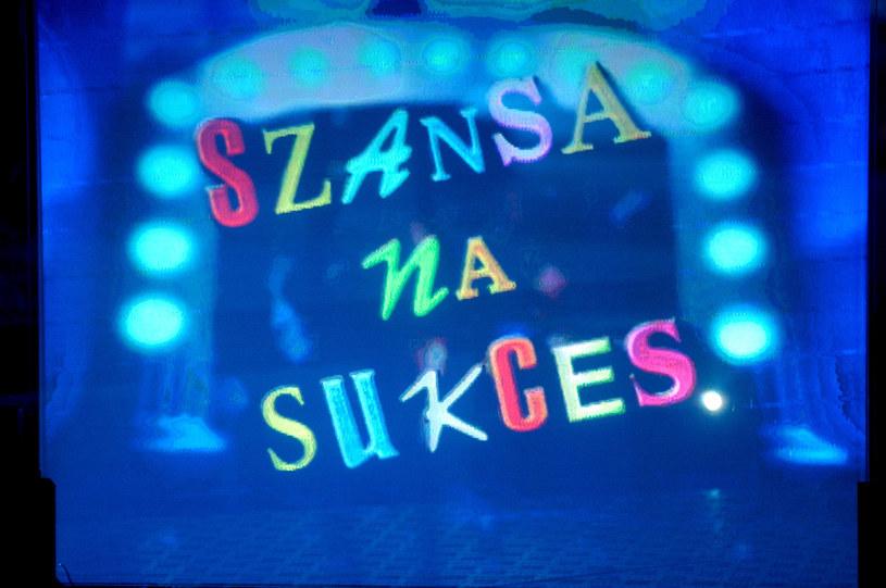 """Serwis Wirtualnemedia.pl podaje, że 7 kwietnia na antenie TVP1 zadebiutuje nowy program """"Szansa na sukces. Opole 2019"""". W ramówce zastąpi on """"Sanatorium miłości""""."""