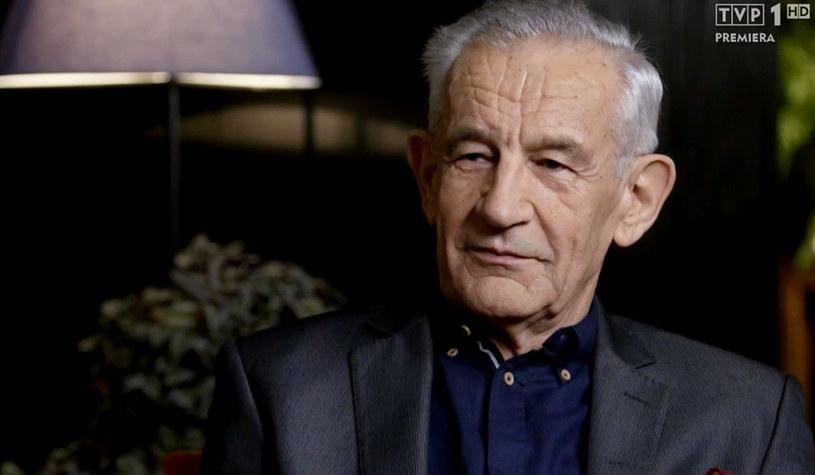 """Ryszard Kruszelnicki ma 71 lat i jednym z najbardziej lubianych bohaterów """"Sanatorium miłości"""". """"Elegancki, szarmancki, inteligenty, z poczuciem humoru"""" - tak o nim mówią panie. Czy bohater znalazł w produkcji TVP bratnią duszę?"""